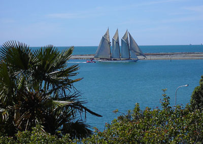 Schooner-on-Nelson-Harbour